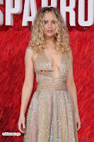 Jennifer Lawrence in a golde glittering gown at Red Sparrow Premiere in London ~  Exclusive Galleries 018.jpg