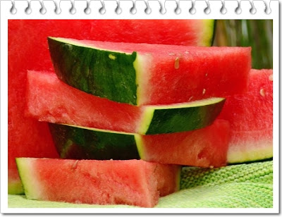 Manfaat buah semangka untuk kesehatan hingga kecantikan