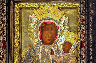 The Black Madonna of Częstochowa with crown (Photo Robert Drózd)