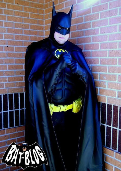 Check out these awesome BATMAN AND ROBIN HALLOWEEN COSTUME Photos sent in by 2 loyal Bat-Blog Fans! The 1st one is from our friend Mike u0026 this is a picture ... & BAT - BLOG : BATMAN TOYS and COLLECTIBLES: Cool BATMAN FANS Have The ...