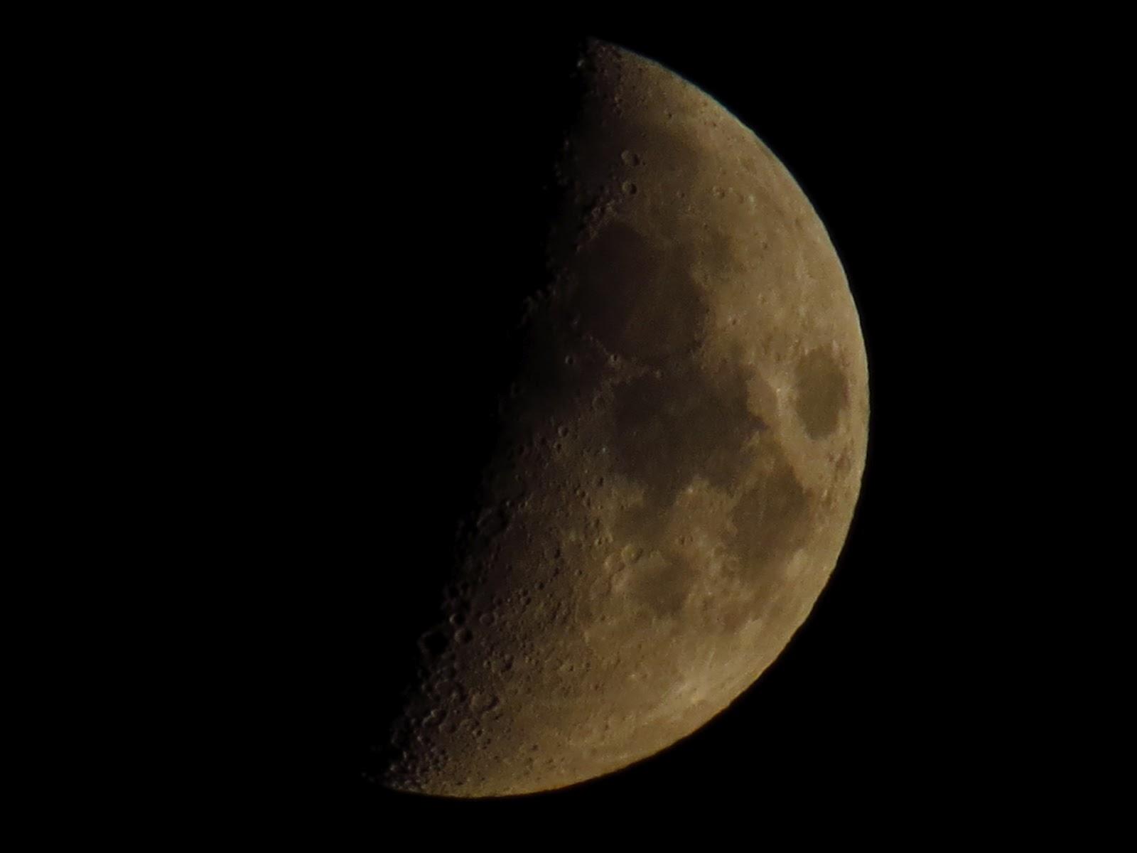 Moon close up with canon powershot sx40 hs camera dahlia - Moon close up ...