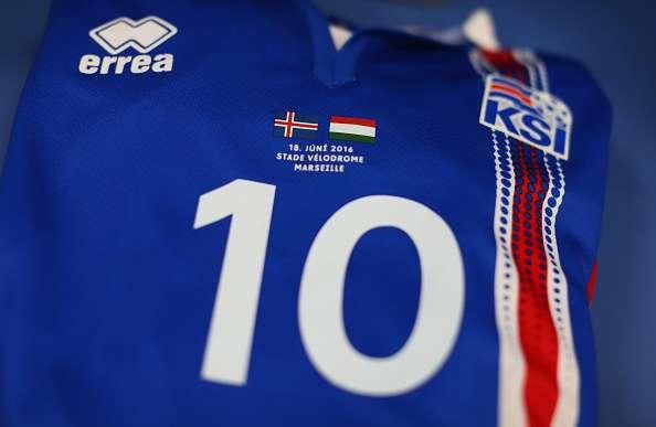 Islandia convierte en éxito de ventas la camiseta de Errea