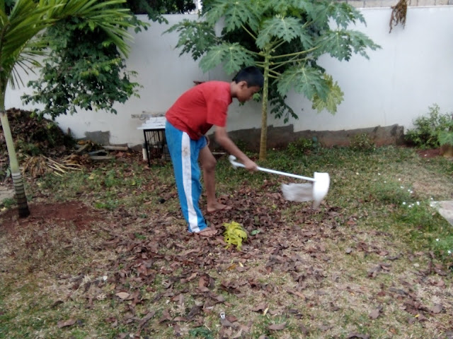 Gallery Weekly Community Service (Kerja Bakti) of Santri Anamfal