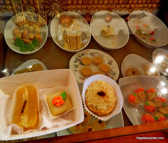 Doces tradicionais da Guatemala: doce de gema com mel e canela, marzipã e queijada de Doña Maria Gordillo Dulces Típicos