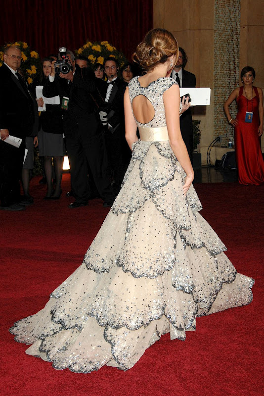 red carpet dresses miley cyrus oscar 2009