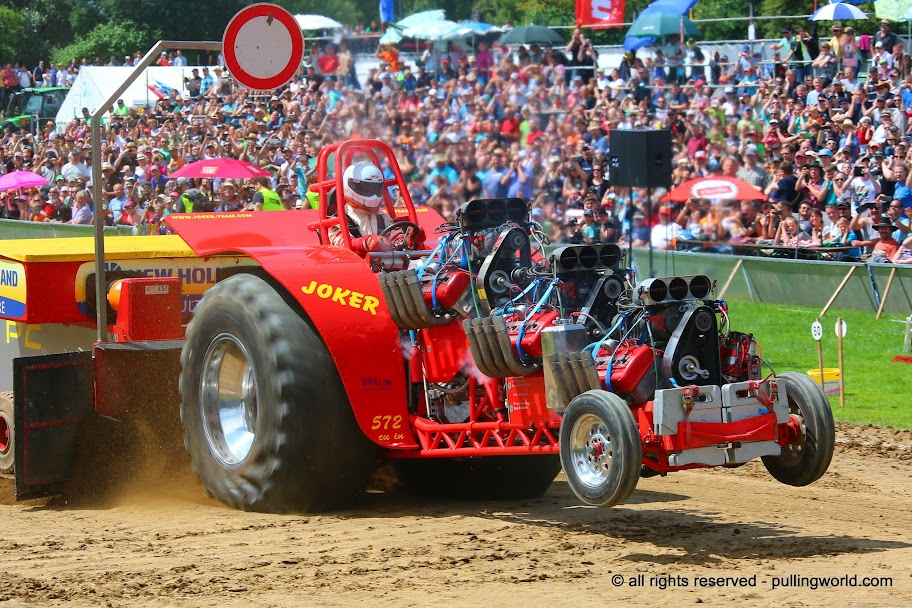 Tractor Pulling News - Pullingworld.com: Joker Pulling Team fan page ...