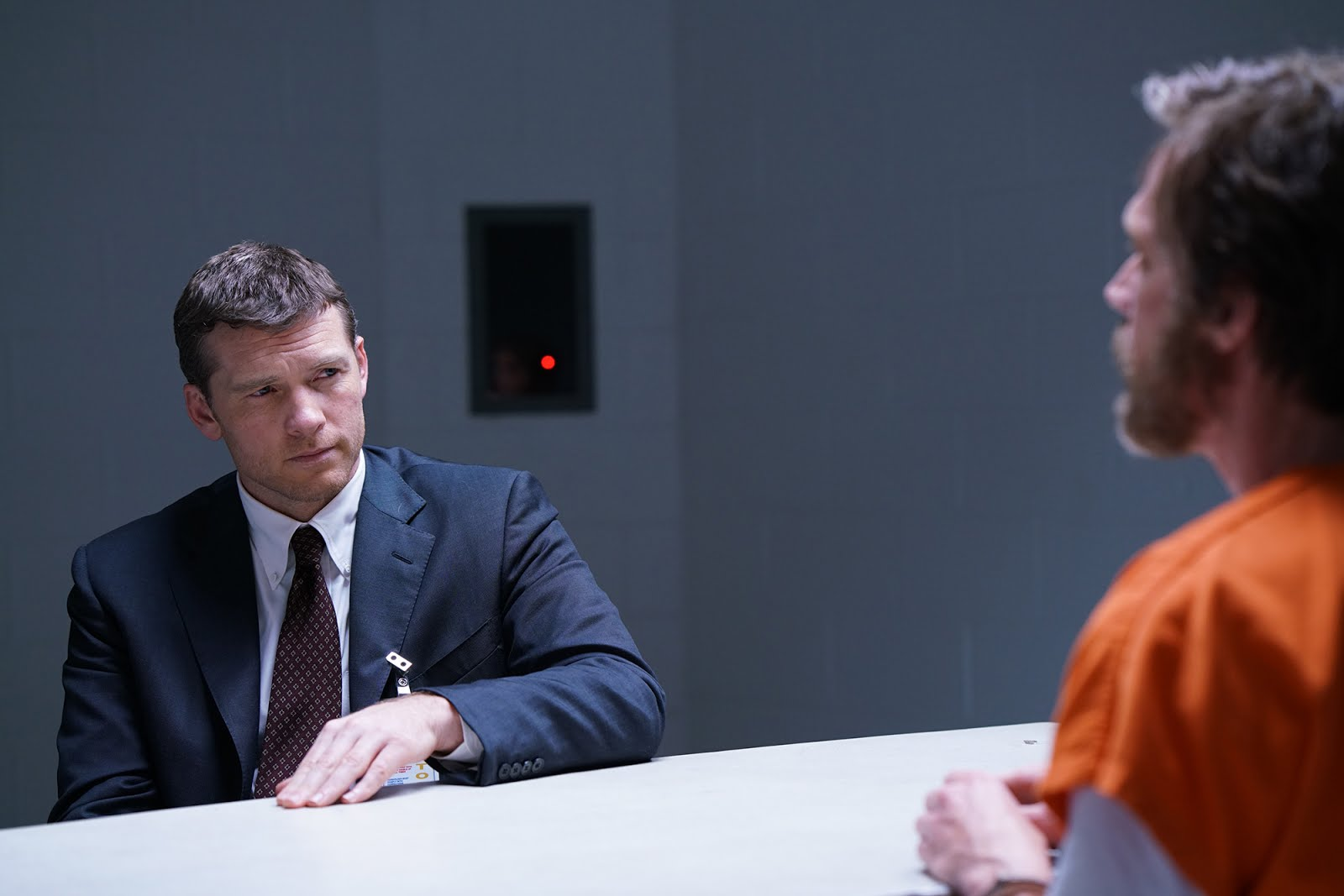 Sam Worthington y Paul Bettany son Jim Fitzgerald y Ted Kaczynski en Manhunt: Unabomber