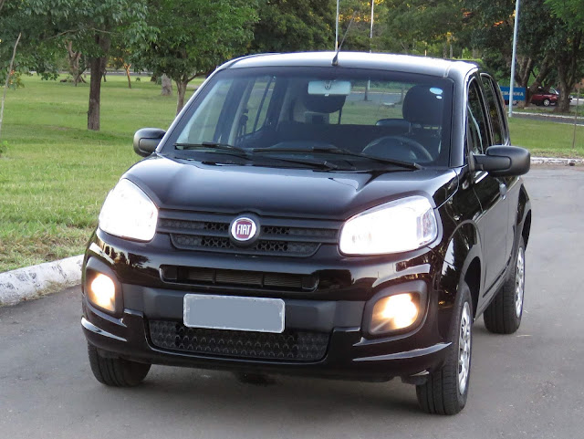 Fiat Uno 2017 Attractive 1.0 - Preto