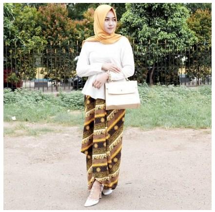 Contoh Padu Padan Busana Muslim Batik Modern Untuk Kondangan Agar