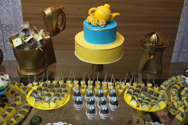 chá bar, chá de panela, azul e amarelo, decoração, mesa de doces