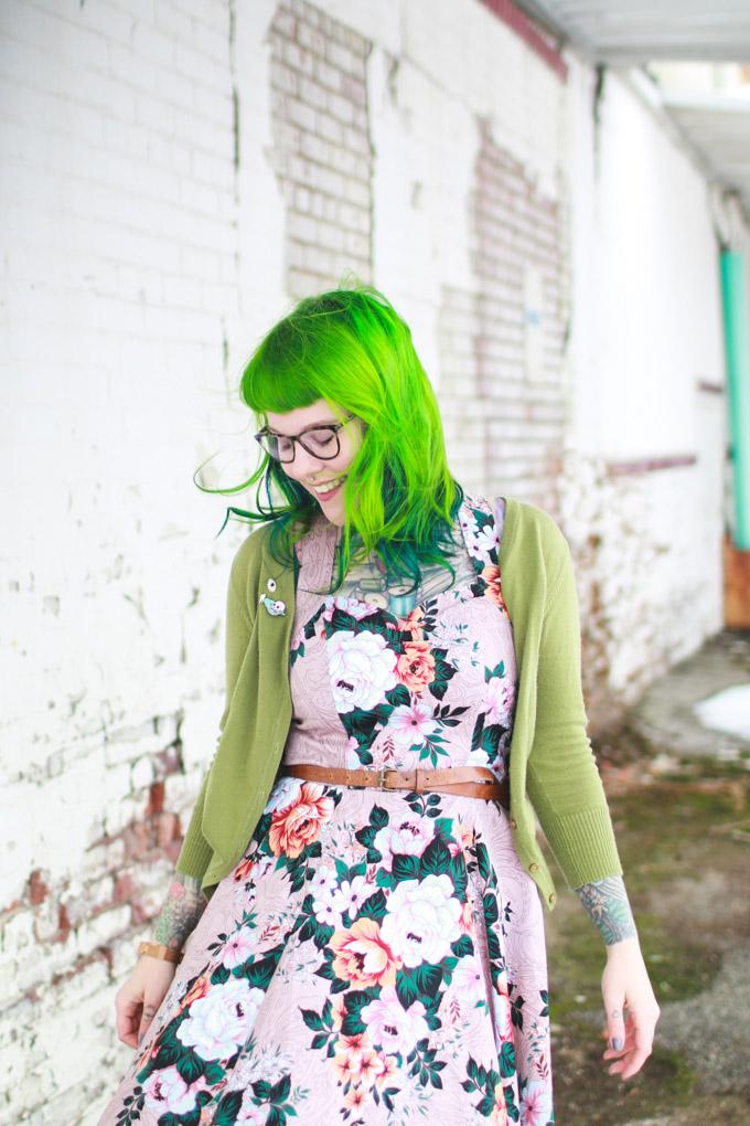 kaylah doolan, cleveland blogger, fashion blog, green hair, floral dress