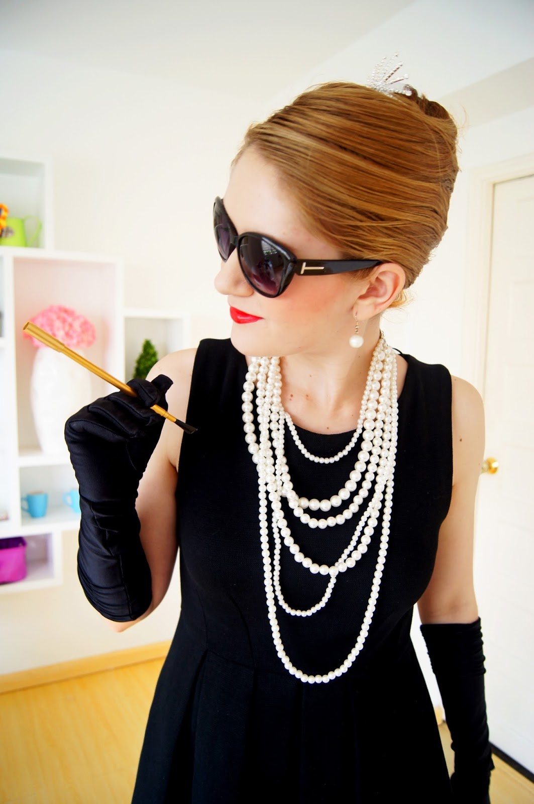 Last Minute Audrey Hepburn Halloween costume. Click through for tutorial