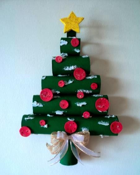 Árbol de Navidad con tubos de papel higiénico