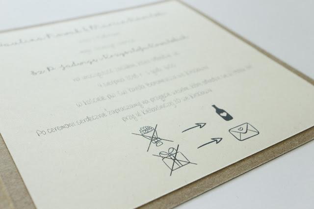 Zaproszenia na ślub ze schematem sugerującym: alkohol zamiast kwiatów i pieniądze zamiast prezentów.