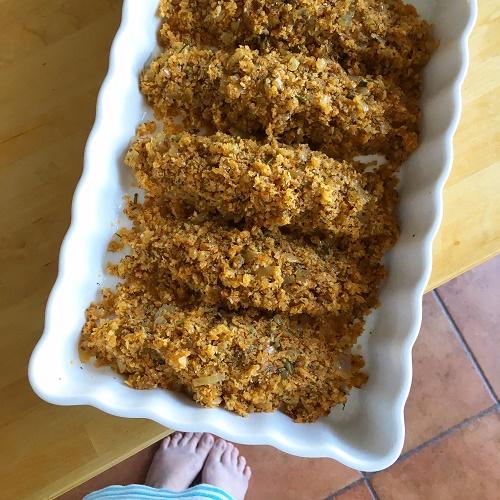 Ofen-Fisch mit Zwiebel-Senf-Knusperkruste