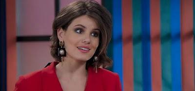 Vanessa (Camila Queiroz) planejará sua vingança contra Manuela (Isabelle Drummond)