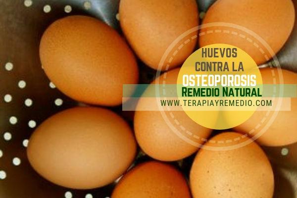 Remedio natural contra la osteoporosis con huevo y zumo de limón