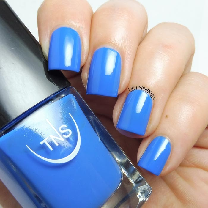 Smalto blu TNS Cosmetics Firenze 538 Miramare blue nail polish #tnscosmetics #tnsfirenze #tnslungomare #unghie #nails #lightyournails