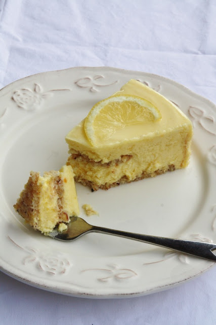 Recipes: dessert al limone e nocciole {10 Lovely Lemon Desserts by Cool Chic Style Fashion}