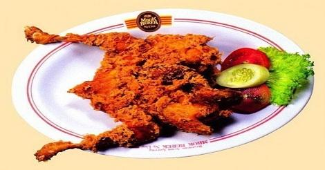 Ayam Kremes Mbok Berek Ny.Umi Jakarta Selatan