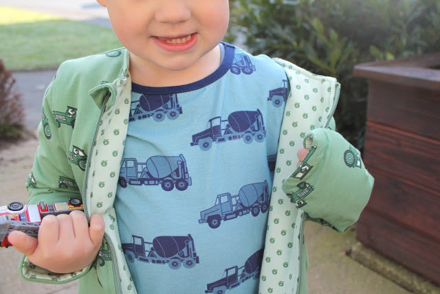 Smafolk Spring Collection Seson 2017 Boys Trucks Jacket Tractor Apples Jules kleines Freudenhaus Giveaway