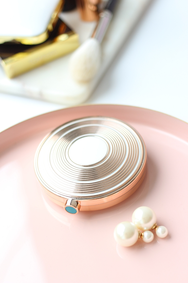 Estée Lauder Illuminating Powder Gelée in Heat Wave
