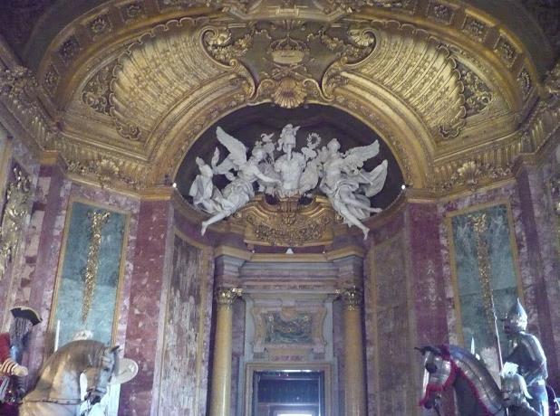 Palazzo reale di torino: galleria delle armature