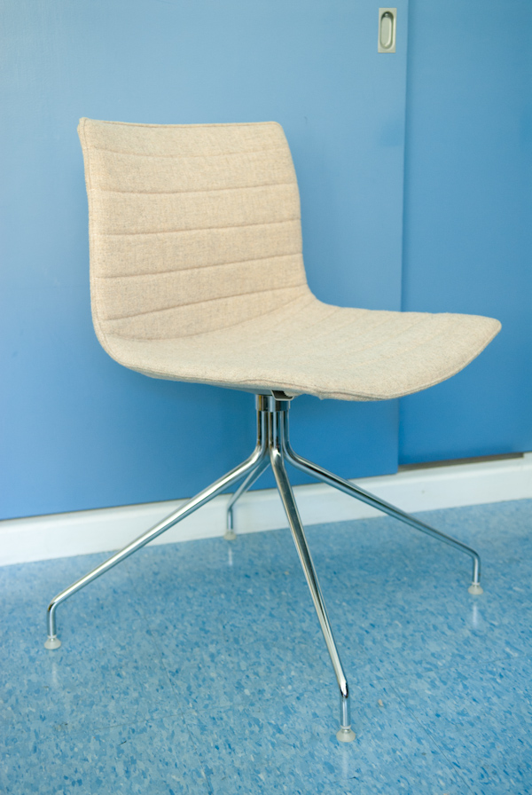 heygreenie arper catifa 46 chair la sold. Black Bedroom Furniture Sets. Home Design Ideas