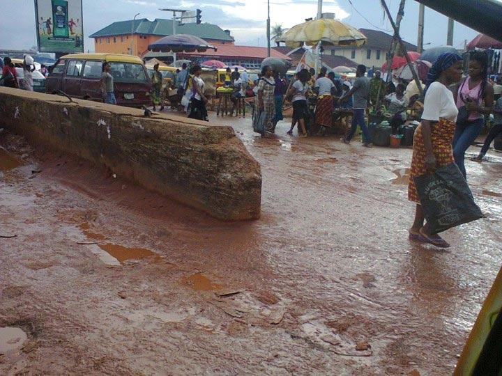 See the state of a road in Benin, Edo State