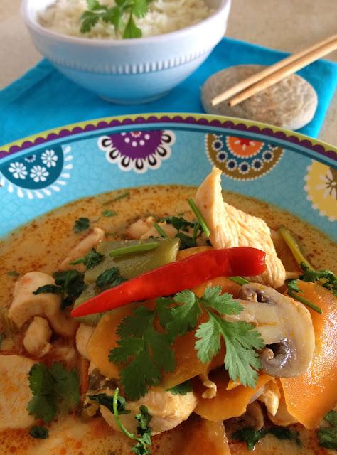 Sweet kwisine, poulet, soupe, crevettes, Tom Yum, cuisine thailandaise