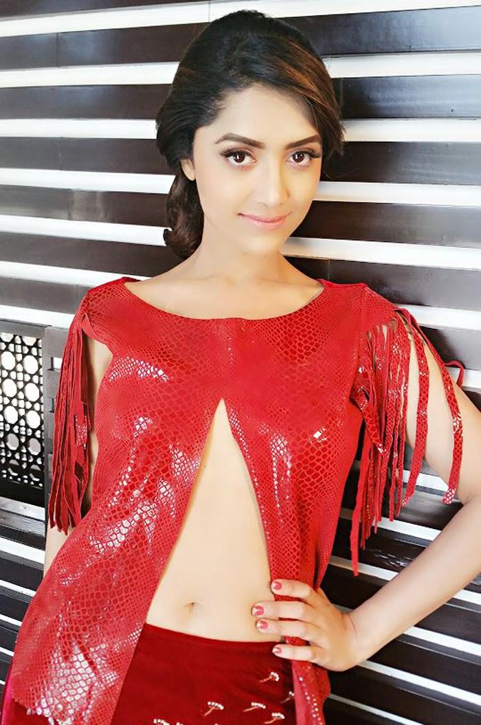 actress rare collections: Mamta Mohandas hot latest show