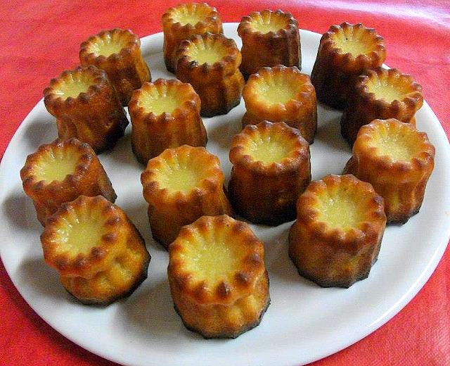 dessert pâtisserie cannelés de bordeaux