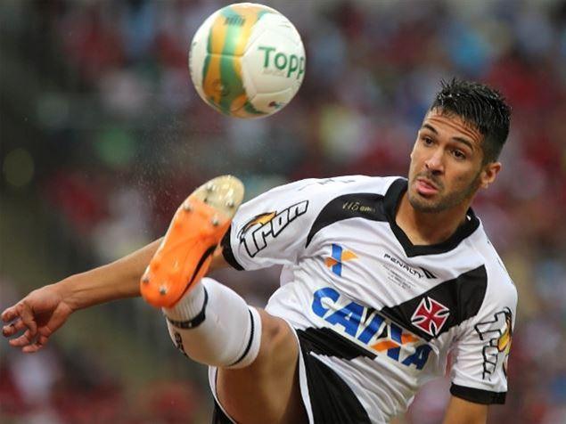 9cfab4504e A prioridade vai esperar mais um pouquinho. A procura do Flamengo por  zagueiro continua na Gávea. Nesta quarta