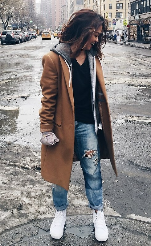 Amazing Winter Outfit with Boyfriend Jeans