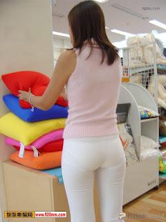 mujeres-asiaticas-sexys-ropa-transparente