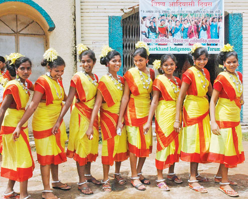 7eb258035c Traditional Costumes of Jharkhand for Women