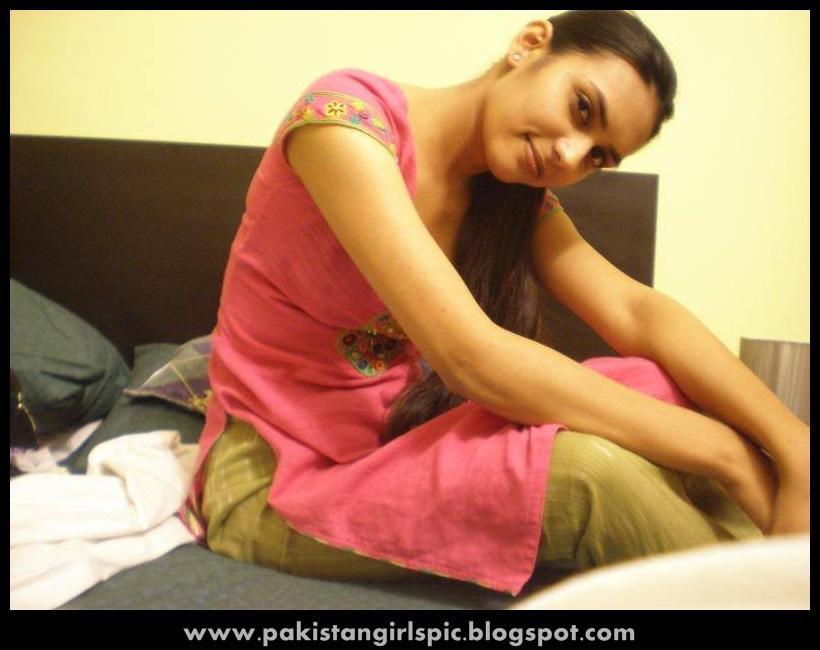 Pakistani girls pictures gallery: pakistani girls photos