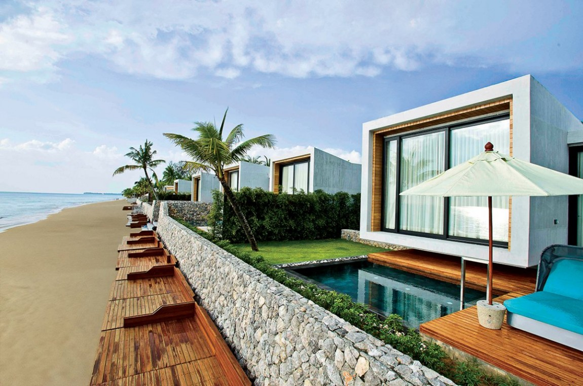 Small House On The Beach by VaSLab Architecture ...