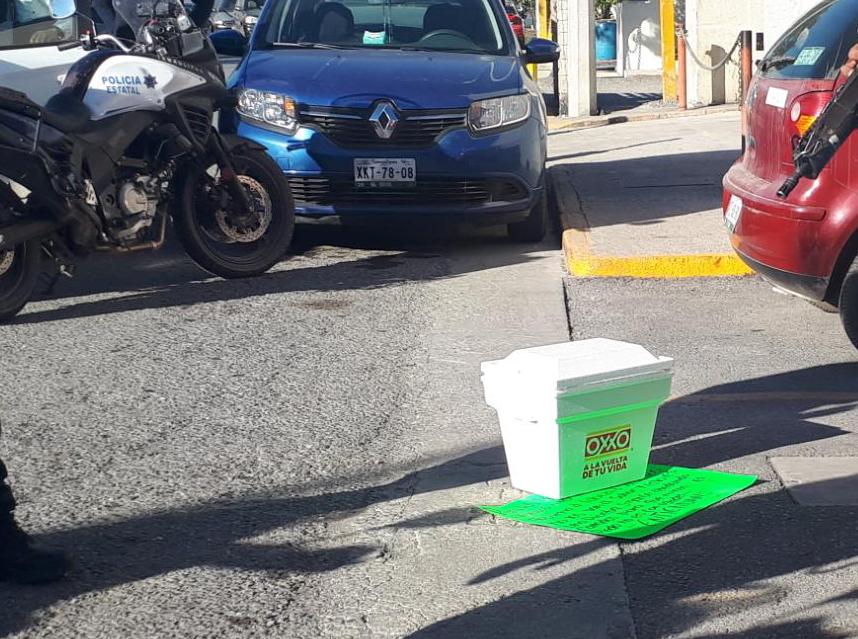 Intimidan a medios de Tamaulipas dejando hielera con una cabeza humana frente al diario Expreso