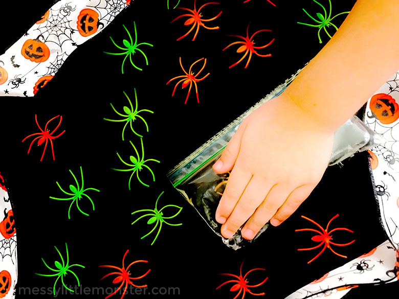 halloween activities for toddlers and babies - spider sensory bags