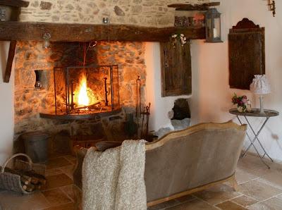 Boiserie c nuove tendenze la pietra antica for Interni case francesi