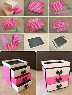 mueble pequeño de carton