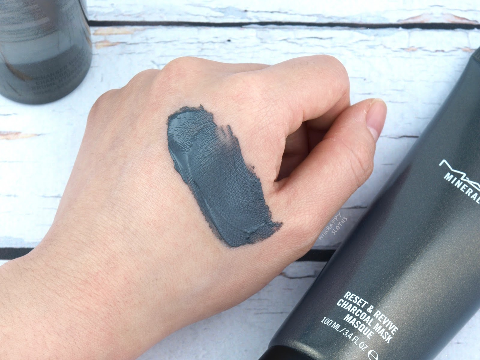 MAC | Reset & Revive Charcoal Mask: Review and Swatches