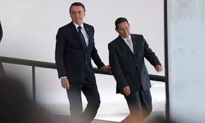 Bolsonaro e Mourão | foto de Jorge William