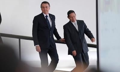 Bolsonaro e Mourão   foto de Jorge William