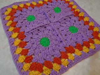 b45538e49061d Acá les traigo unas mantitas al crochet que realicé para unas bellas y  mimosas gatitas