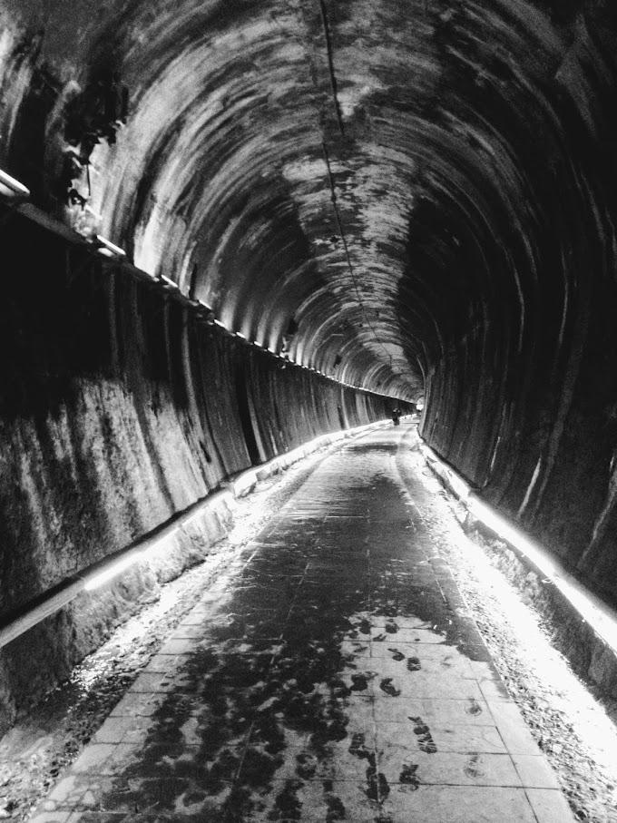 【苗栗】功維敘隧道- 用七彩燈光與火車音效裝飾廢棄的火車隧道