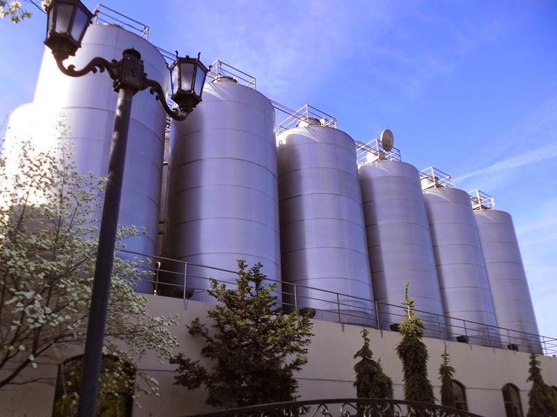 800 barrel fermenters