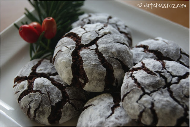 Crinkle1 Perfect Christmas Crinkle Cookies!