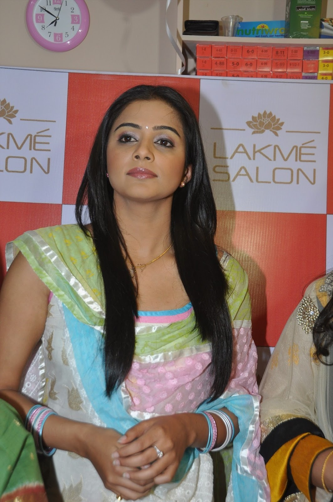 Lakme salon launched by priyamani
